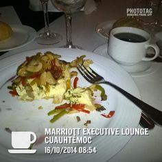 Buen café desayuno excelente. Presentación de Citrix, México.