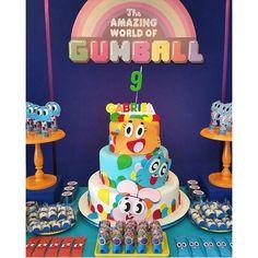 """Bolo lindo e criativo da festa """"The amazing world of gumball"""" que o Gabriel escolheu para comemorar seu aniversário!  #wonderful #megamundofestas #oseulugarnoseudia #festaspersonalizadas #festademenino #diversão #sonhos #megamundorealizandosonhos #gumball #gumballdecor #gumballparty #festagumball"""