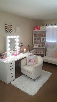 Bedroom Decor For Small Rooms, Room Ideas Bedroom, Simply Home, Kids Bedroom Designs, Luxury Rooms, Glam Room, Makeup Rooms, Vanity Ideas, Living Room Tv