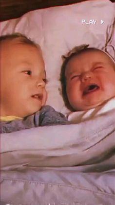 Cute Funny Baby Videos, Cute Funny Babies, Crazy Funny Videos, Funny Videos For Kids, Funny Kids, Cute Kids, Adorable Babies, Cute Little Baby, Baby Love