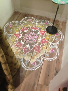 The best DIY projects & DIY ideas and tutorials: sewing, paper craft, DIY. Diy Crafts Ideas stenciled boho design and fun lighting. Love this idea for a coffee table. Painted Floors, Painted Furniture, Painted Rug, Hand Painted, Antique Furniture, Industrial Furniture, Vintage Industrial, Industrial Style, Furniture Design