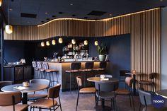 HEKKER Interieurbouw - NH Leeuwenhorst - TOOKO – Inspiratie voor een exclusieve werkomgeving Conference Room, Restaurant, Table, Furniture, Home Decor, Decoration Home, Room Decor, Diner Restaurant, Tables