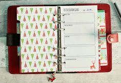 Free Filofax / day planner printable in personal and A5 size - planning and setting your festive goals. http://mrsbrimbles.blogspot.co.uk/2014/10/christmas-planning-getting-started.html