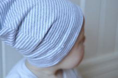 Tutorial: Slouchy baby beanie hats, two ways