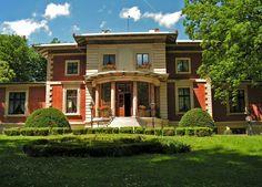 Pałac w Porażynie zbudowany został ok. 1880-1882 r. jako pałac-willa Eichenhorst (dosł. gniazdo dębów) dla właściciela dóbr opalenickich - Franza Heinricha von Beyme. Obecnie ośrodek szkoleniowo-wypoczynkowy Nadleśnictwa Grodzisk.