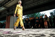 Gucci Spring 2016 Ready-to-Wear Atmosphere and Candid Photos - Vogue