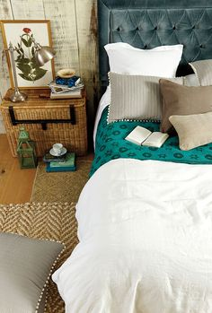 10 ways to cozy up your bedroom for fall bedrooms and decorating neutral paint color bedding Fall Bedroom, Cozy Bedroom, Dream Bedroom, Master Bedroom, Bedroom Decor, Bedroom Ideas, Neutral Bedrooms With Pop Of Color, Neutral Paint, Hm Deco