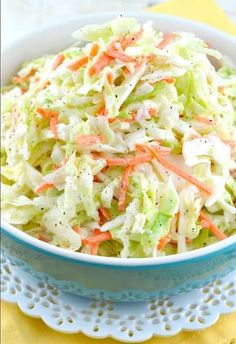 Quick And Easy Kfc Coleslaw Recipe (With Video!) - Gonna Want Seconds Quick and Easy KFC Coleslaw Recipe (With Video!) - Gonna Want Seconds keto coleslaw mix - Keto Coleslaw Slaw Recipes, Copycat Recipes, Healthy Recipes, Skinny Recipes, Veggie Recipes Sides, Chicken Recipes, Fish Recipes, Cuisine Diverse, Coleslaw Mix