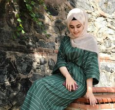 Image may contain: 1 person, sitting and outdoor Hijab Fashion Summer, Modest Fashion Hijab, Casual Hijab Outfit, Muslim Fashion, Fashion Outfits, Hijab Style, Hijab Chic, Beautiful Muslim Women, Beautiful Hijab