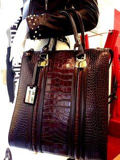#bags#leatherbags#fashionbloggers#fashionstyle#pics#hairstyle#paris#london#nyc#tnt#mtv#show#luxo#luxury#model#taschen#switzerland#dubai#riodejaneiro#copacabana#ipanema#zuerich#schweiz#miamibeach#bolsasdecouro#handemade#handgemacht#girls#trip#travel#world#cupcake#summer#diamond#music#party#fashionweek#losangeles#hotel#berg#see#lake#garten#jardim#italy#milano#haus#ferien