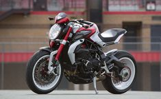 2015 MV Agusta Brutale 800 Dragster RR Quick Ride Review + Video