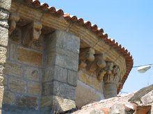 Iglesia románica de Bembrive.  La iglesia románica de Santiago de Bembrive data del último tercio del siglo XII.