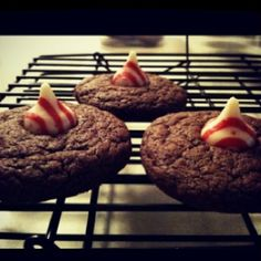 Chocolate cookies with peppermint hershey kisses