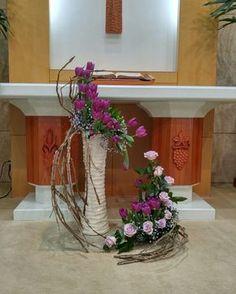 Altar Blumenschmuck Ostern