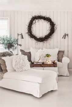 Pretty pillows and wreath.