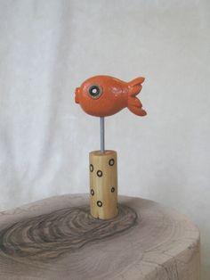 Sculpture fil de fer et bateaux en papier gravure poissons for Acheter poisson rouge liege