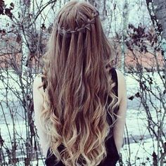 SEE THE BOTTOM OF HER HAIR?! THAT'S WHAT MINE WILL LOOK LIKE!!!!!