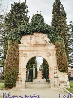 Castillo de Zamora. Jardines dej Parque junto a la catedral. Castle of Zamora. Gardens of the Park next to the cathedral. Spain