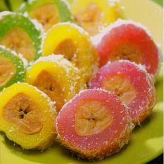 :: Kue Mata Roda - Banana in Cassava Cake ::