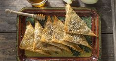 Learn how to prepare recipes for healthy desserts & sweets by the Greek chef Akis Petretzikis. Step by step instrunctions for delicious confectionary recipes. Apple Turnover Recipe, Apple Turnovers, Greek Sweets, Nutrition Chart, Phyllo Dough, Sweet Wine, Processed Sugar, Good Fats, Red Apple