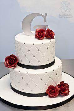 G Roses Wedding Cake My wedding cake made it to DreamDay Cakes website!!!