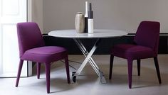 Elegant Looking Cushioned Chairs - Here are some beautiful chairs from B Italia. Today we cannot think of a living without the comfort provided by chairs like these.