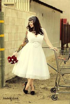 Plus sized babe rocking the tea length dress! (Just longer for you Em.)