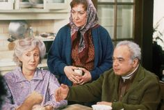 Rose Castorini (Olympia Dukakis), Rita Cappomaggi, (Julie Bovasso), Raymond Cappomaggi (Louis Guss) ~ Moonstruck ~ Movie Stills John Patrick Shanley, Olympia Dukakis, O Movie, Movie Scene, Snap Out Of It, Ensemble Cast, Movie Lines, Great Movies, Awesome Movies