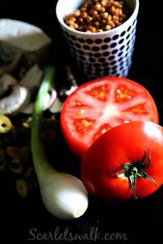 Pihvitomaatit kasvistäytteellä | Scarlet´s Walk Home Food, Marimekko, Scarlet, Vegetables, Vegetable Recipes, Scarlet Witch, Veggies