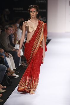 Indian  Clothing: Designer Anand kabra's collection..