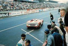 Vue arrère de la Ferrari 330P2 n°19 en 1965