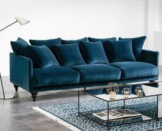 A great blend between traditional and contemporary furniture. Specialist in furniture manufacturing - Buttoned Sofa. New Living Room, Living Room Sofa, Living Room Furniture, Living Room Decor, Sofa Design, Interior Design, Blue Furniture, Furniture Design, Style At Home
