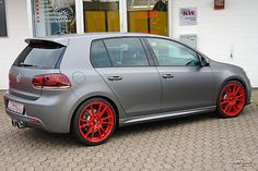 "VW Golf 6 R - Matt Grey Räder: OZ Ultraleggera Custom Painted - Alufelgen VA 8.0 x 19"" mit 235/35/19 HA 8.0 x 19"" mit 235/35/19 grey red"