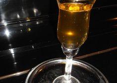 κύρια φωτογραφία συνταγής Φατουράδα, παραδοσιακό λικέρ Κυθήρων (με κανέλα & γαρύφαλλο) Hurricane Glass, Diy Food, Flute, Champagne, Food And Drink, Drinks, Tableware, Liqueurs, Oreos