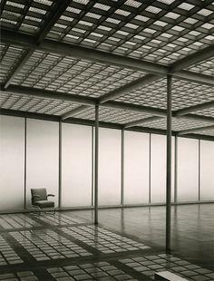 Ausstellung in der Pinakothek der Moderne in...