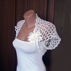 Wedding White Shrug Bolero Crochet Lace Bridal by KnittedSmiles Knitted Shawls, Crochet Shawl, Irish Crochet, Knit Crochet, Bridal Shrug, Bridal Lace, Knitted Flowers, Lace Flowers, Dress Up Tshirt