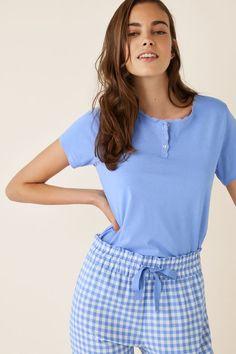 Nightwear and loungewear: Pyjamas, nightgowns, robes. Lisa, Christmas Pajamas, Pajamas Women, Color Azul, Lingerie, Pyjamas, Nightwear, Pajama Set, Lounge Wear