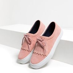 pink tassel lace up sneakers from Zara Pretty Shoes, Beautiful Shoes, Cute Shoes, Me Too Shoes, Shoe Boots, Shoes Sandals, Shoes Sneakers, Daily Shoes, Pumps