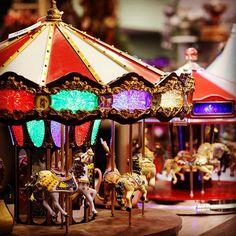 Βόλτα στην Ονειροχώρα! #Christmas #Carousel #MySeason #Piraeus