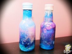 DIY- Bottle Nebula/Galaxy   LINK VÍDEO: https://www.youtube.com/watch?v=_3ks8mUaBbw  Post: http://cakegloss.blogspot.com.br/2014/05/video-como-fazer-bottle-nebulagalaxy.html