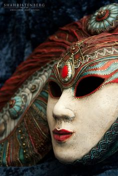 Nadine Shahristenberg  -  Decorative mask Shangri-La
