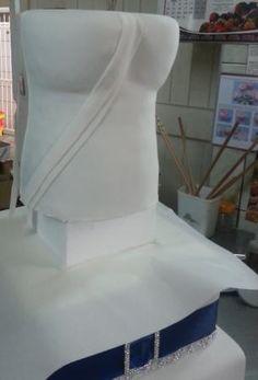How to make a Corsett/Dress wedding cake - Starting with fondant strips - Corsett cake