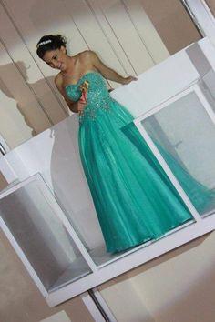 A debutante Leticia usou e abusou do azul tiffany e do rosa na sua festa no Espaço Oscar Freire, e simplesmente ar-ra-sou !! Vem ver no Blog!!