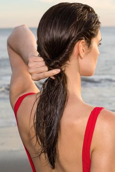Beach Hair DIY - 5 Easy Hairdos for Wet Hair