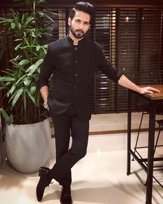 Indian men fashion - Shahid Kapoor has an important message for those objecting to Padmavati Mens Indian Wear, Mens Ethnic Wear, Indian Groom Wear, Indian Men Fashion, Indian Man, Mens Fashion Suits, Mens Suits, Fashion Wear, Wedding Dresses Men Indian