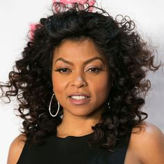 #ONYCHair #WednesdayWomanCrush is the talented @tarajiphenson!  If you're having your #EmpireFox withdrawals as we are, you can tune in tonight to see this iconic Beauty in all her Glam and Glory as she hosts the #WhiteHotHolidays.  Mimic her look here with #ONYC Bouncy Curly 3A #hair.  Shop US Now >>> ONYCHair.com Shop UK Now >>> ONYCHair.uk Shop NG Now>>> ONYCHair.ng