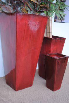 #macetas #Guatemala Macetas camilla alta en colores rojo chino, 70x47 cm, 47x30 cm y 34x20x20 cm. macetas guatemala, macetas cerámica