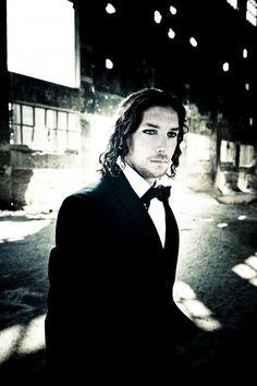 Oh my lord! Maybe the best picture of long haired Schneider ever!!