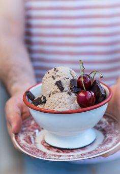 Παγωτό Μόκα !!! & άλλες εργασίες … | NEANIKON Ice Cream, Tableware, Desserts, Food, No Churn Ice Cream, Tailgate Desserts, Dinnerware, Deserts, Icecream Craft