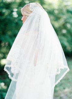 Gorgeous lace-trimmed veil